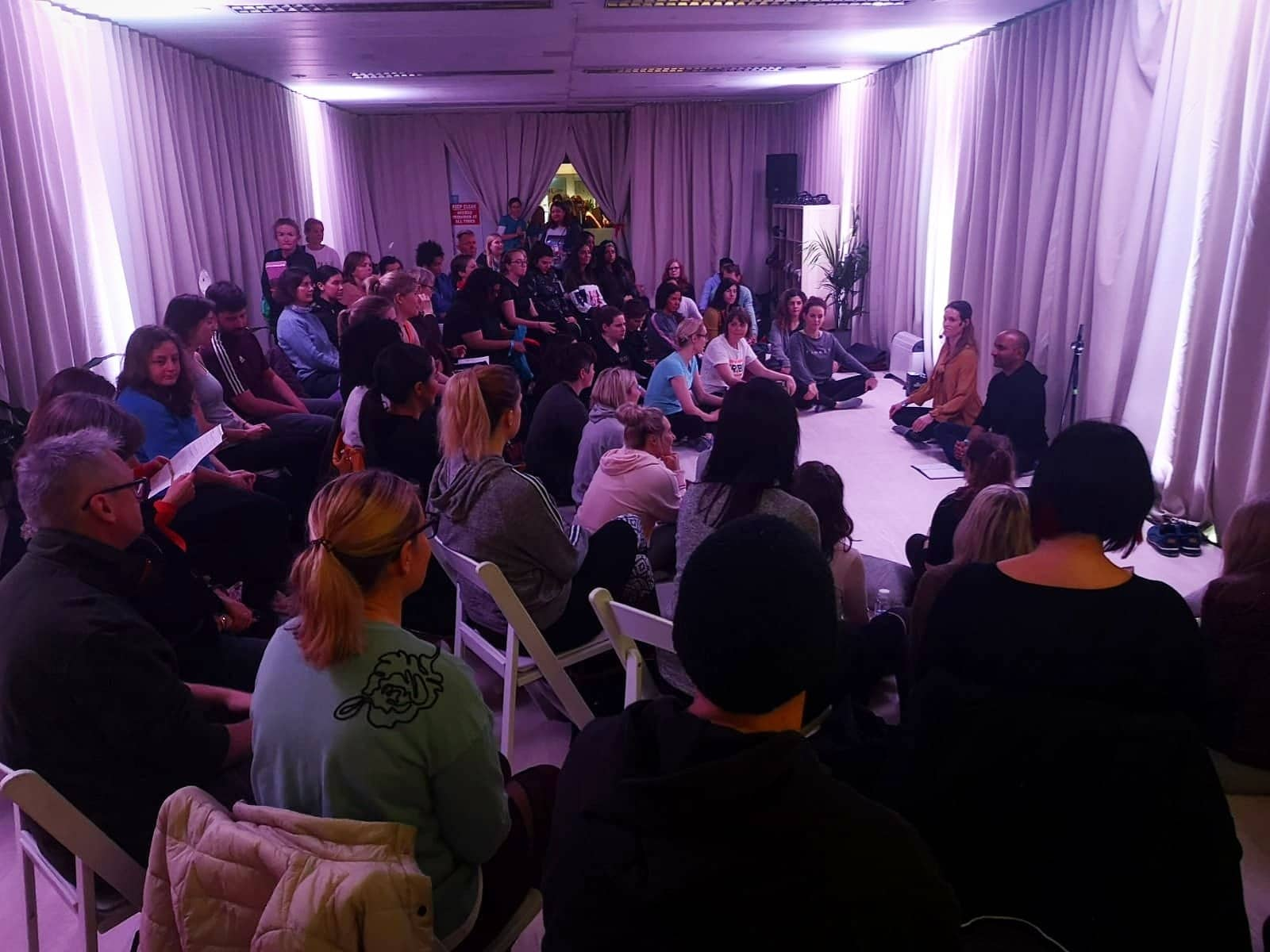 Niraj leads a sold out meditation session